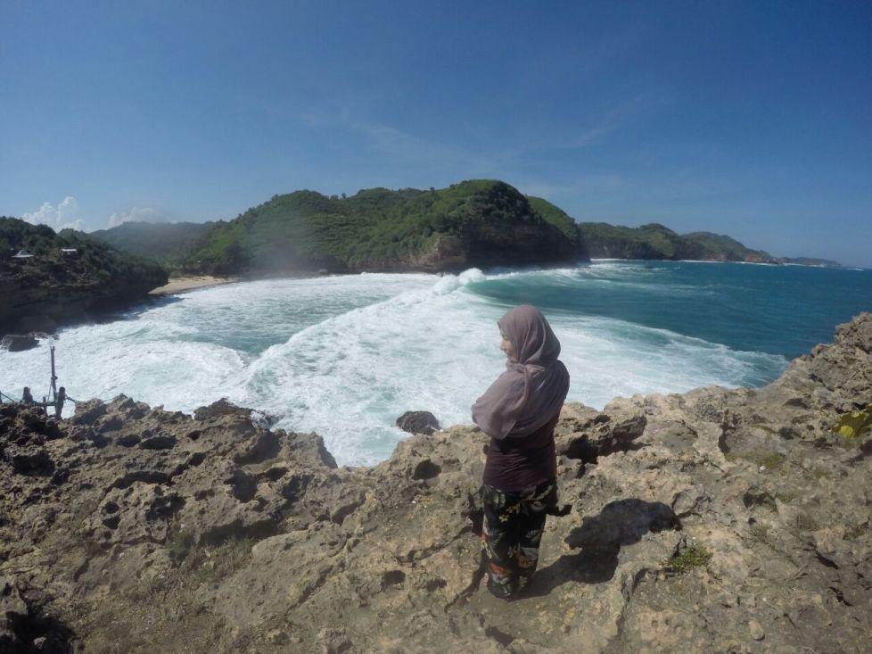 pemandangan pulau timang dari sisi sebaliknya :)