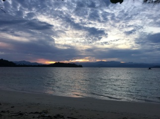 Halo sunrise... Ditungguin loh ini :(